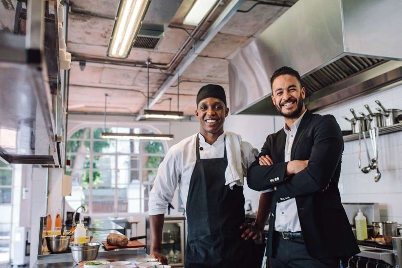 kinh doanh nhà hàng ở Canada cho người nhập cư